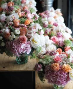 cara merangkai bunga plastik untuk sudut ruangan